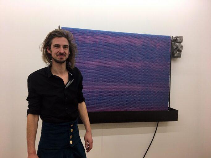 Zoro Feigl bij zijn werk